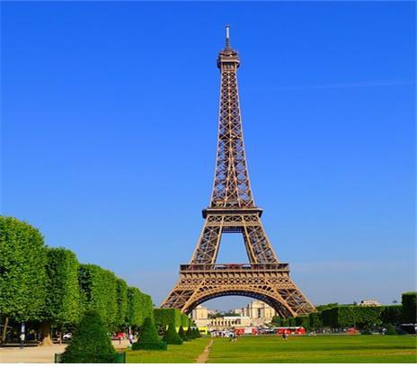 프랑스 에펠탑 사진입니다.